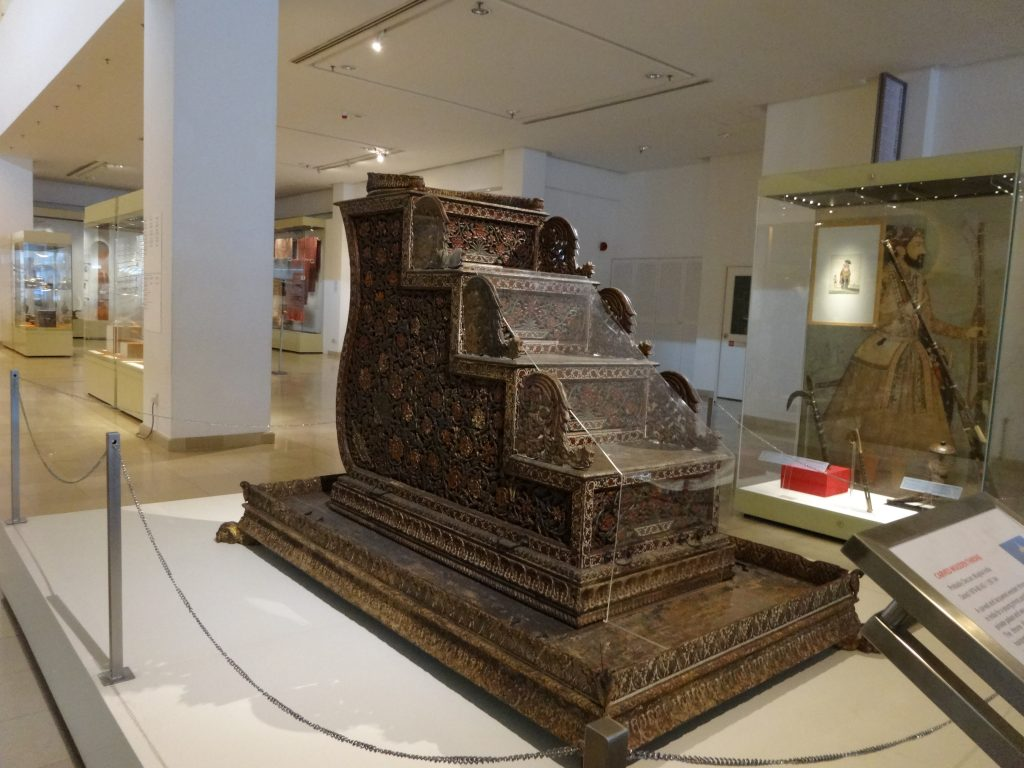 クアラルンプールの「国立イスラム美術博物館」にあるレストランでアップルパイを食べてみた